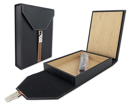 Cigar Travel Humidor - Black Leather